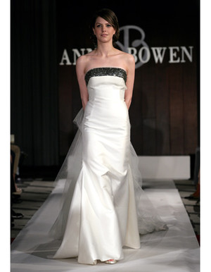 Perfect Gowns for an Outdoor Wedding - Martha Stewart Weddings