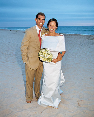 A Modern Green-Colored Beach Wedding in New York