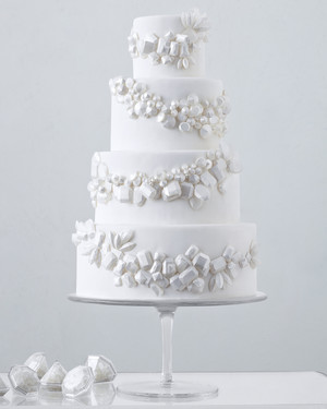 71 White Wedding Cakes That Make the Case for Going Classic