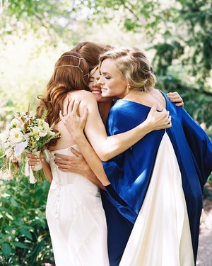 How to Get Picture-Perfect Candids of Your Bridal Party