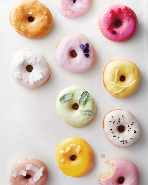 20 Delicious Ways to Serve Donuts at Your Wedding