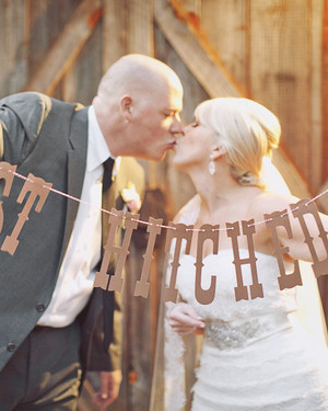 A Rustic Blush-and-Ivory Wedding in a Barn in Georgia