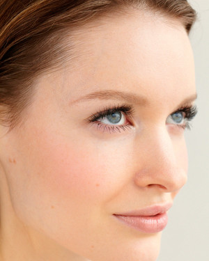 5 Ways to Get Longer Eyelashes for Your Wedding