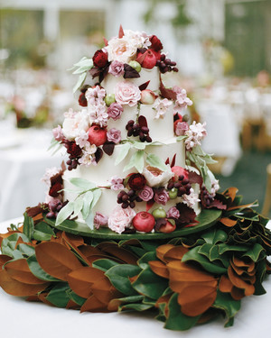 31 Fall Wedding Cakes We're Obsessed With