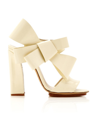 36 Best Shoes for a Bride to Wear to a Fall Wedding | Martha ...