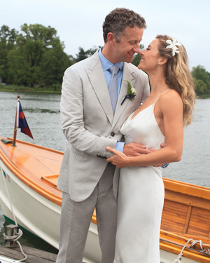 A Nautical-Inspired Navy-and-White Wedding in Connecticut