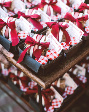 11 Favorite Fall Wedding Favors