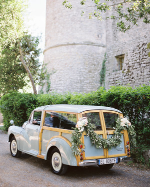 """Just Married"" Ideas to Let Everyone Know You're Hitched"