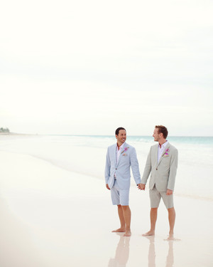 A Coral-Colored Beach Wedding in the Bahamas