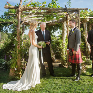 wedding ceremony outdoor kilt