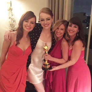 "Emma Stone's ""Bridesmaids"" Supported Her Big Oscar Win in an Adorable Way"