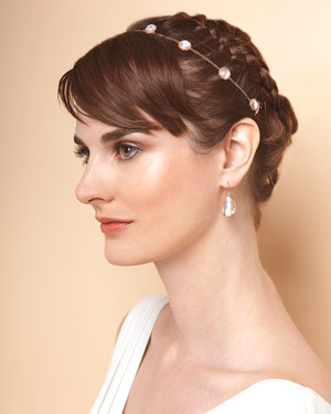 Outstanding Wedding Hairstyles For Bows Buds Tiaras And More From The Short Hairstyles Gunalazisus