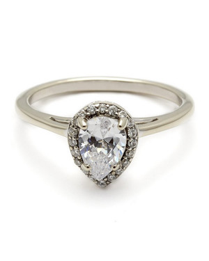 Pear-Cut Diamond Engagement Rings