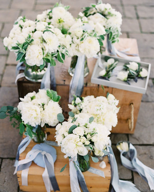 64 White Wedding Bouquets