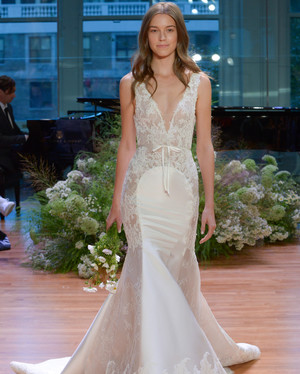 46 Wedding Dresses with Bows