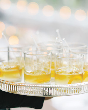 Autumn-Inspired Signature Cocktail Ideas Straight from the Wedding Pros