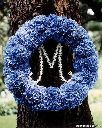 a100448_win04_wreath.jpg