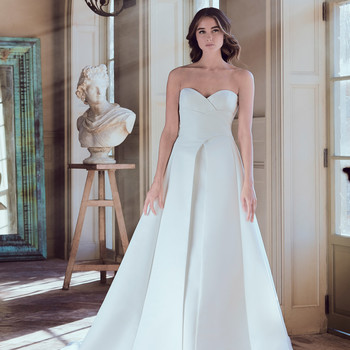 9 Wedding Dress Trends for Spring 2019