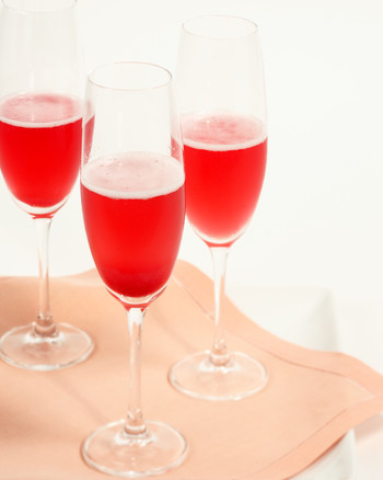 winter-cocktails-red-currant-champagne-cocktail-1214.jpg