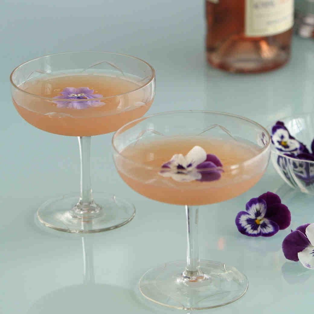 3 Rosé Signature Cocktail Ideas for Your Wedding