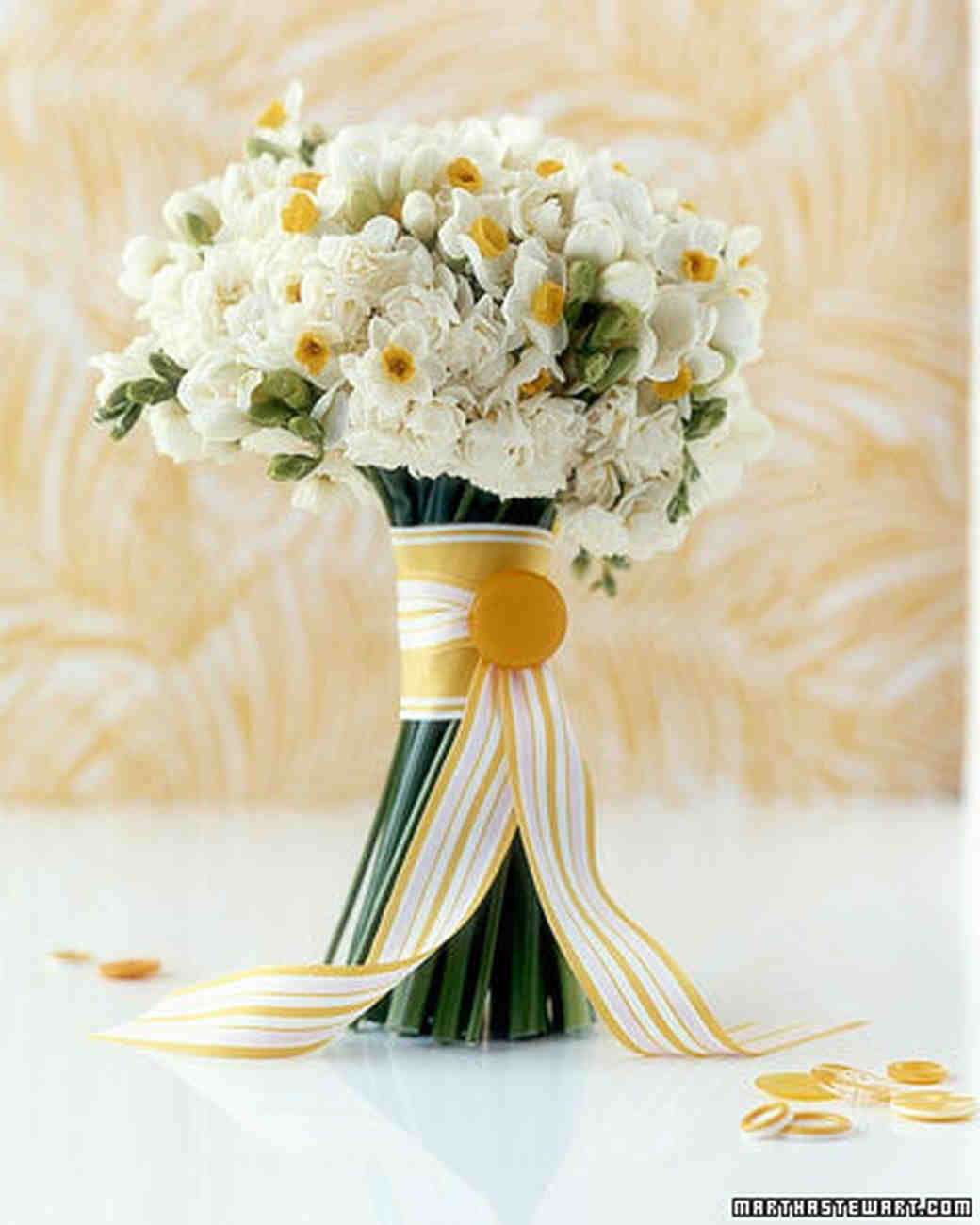 Yellow Wedding Flowers: A Sunny Wedding: Yellow Dresses And Bouquets