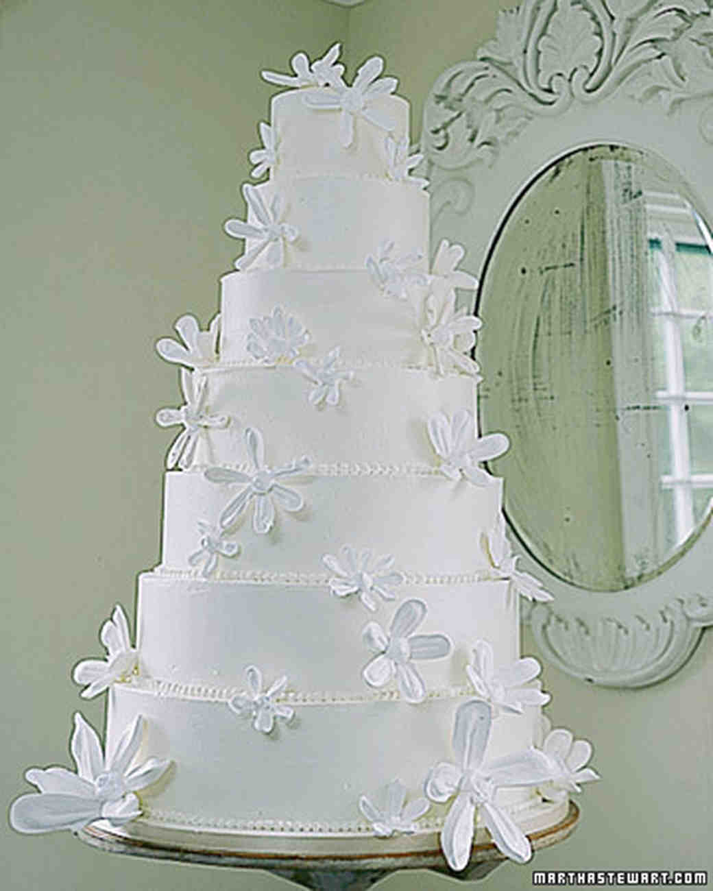 The Best Wedding Cake Toppers For A Winter Wonderland Mywedding