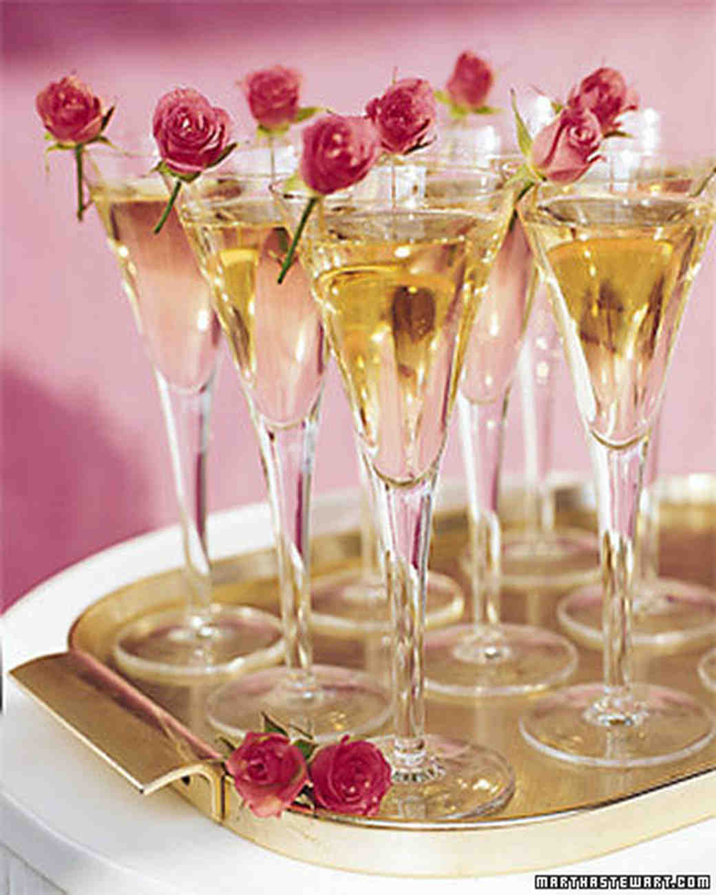 Wedding Drinks Ideas: Celebrate With Champagne