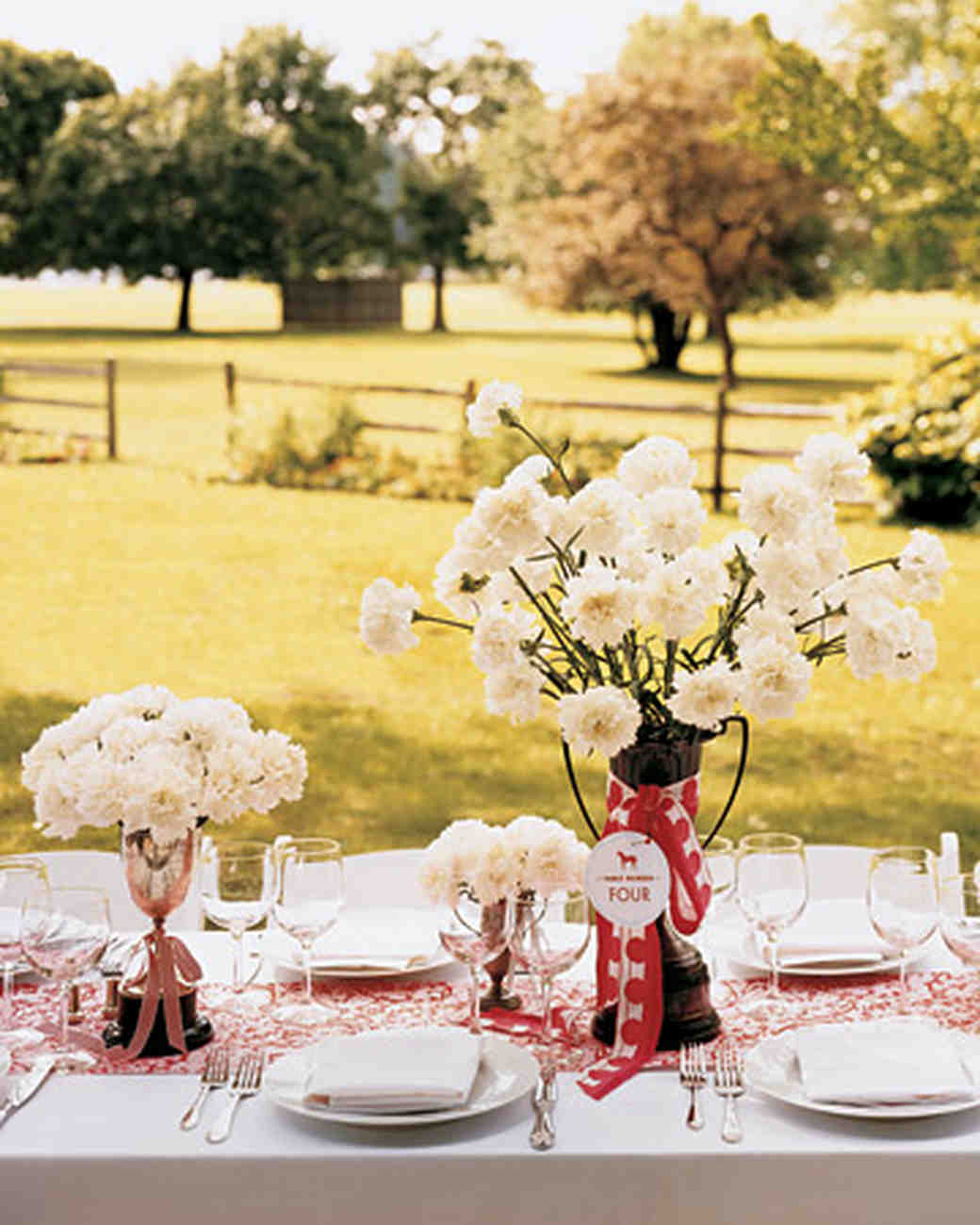 Wedding Centerpieces On A Budget: Affordable Wedding Centerpieces That Don't Look Cheap