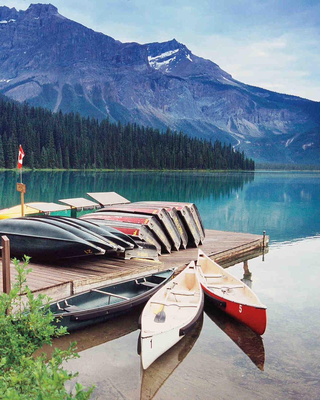 canoes-0811ms107576.jpg