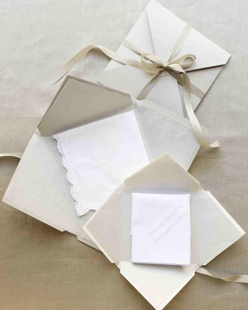 handkerchief-d109296.jpg