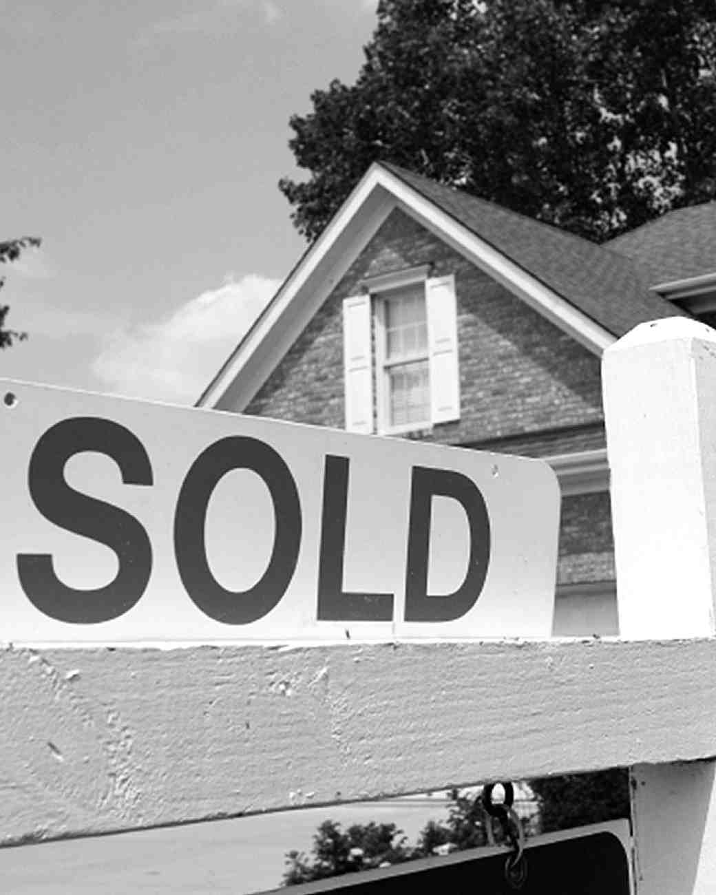 house-sold-sign-0216.jpg
