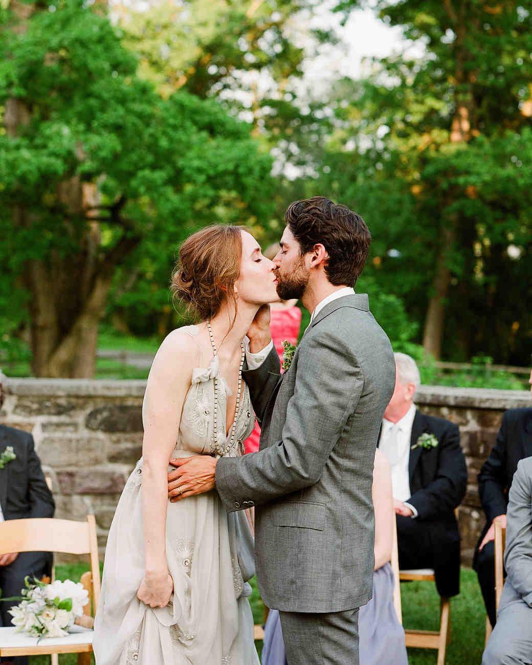 rw-stephanie-ben-kiss.jpg