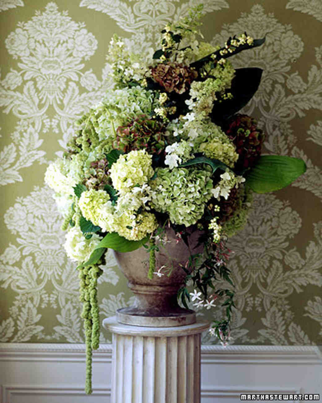 hydrangea wedding flower arrangements martha stewart weddings. Black Bedroom Furniture Sets. Home Design Ideas