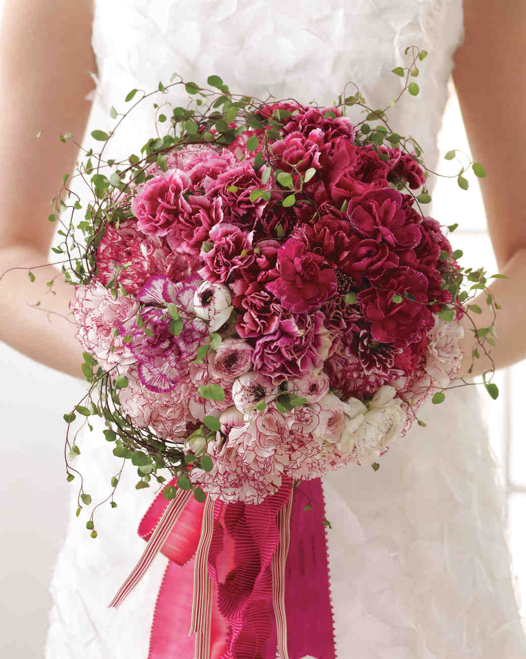 Top 5 Most Popular Wedding Bouquet Flowers And Their Symbolic Meanings