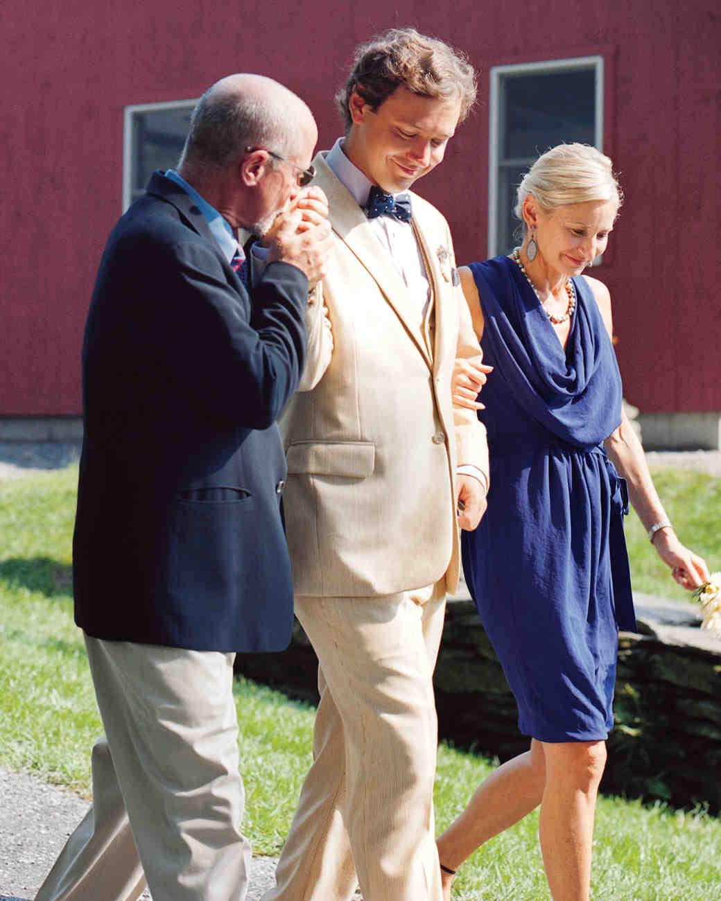 groom-family-mwd107926.jpg