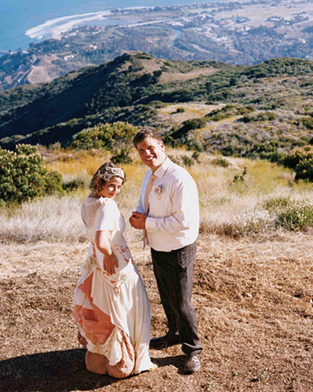 mw1004_fal04_md_couple.jpg