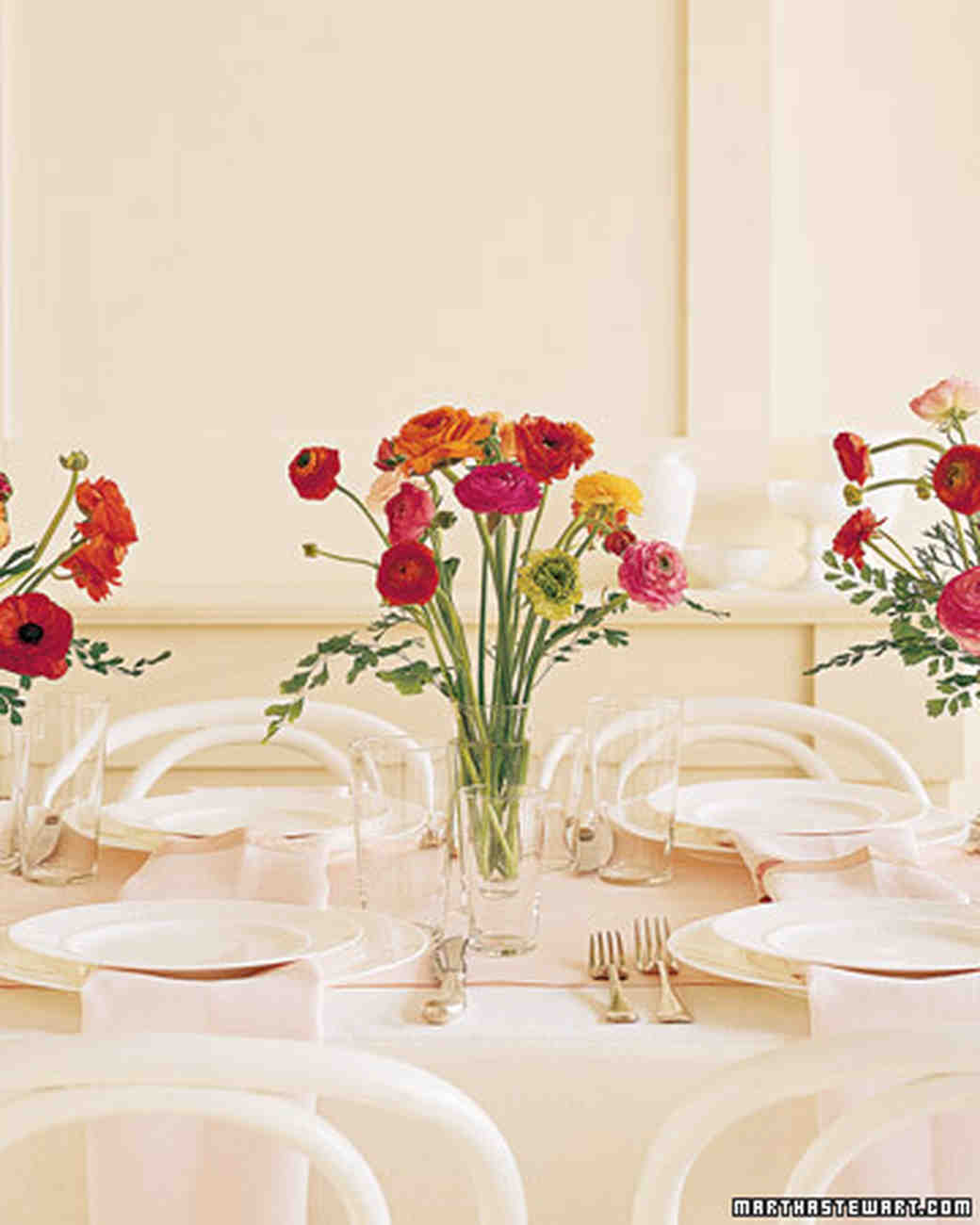 Wedding Flower Center Pieces: Beautiful Wedding Ideas That Use Ranunculus