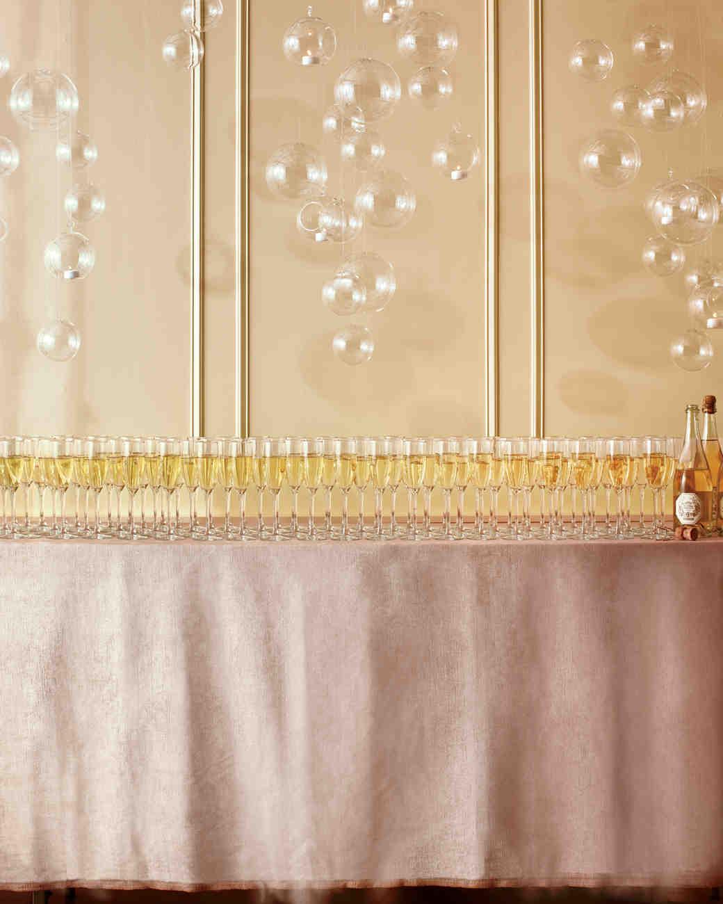 champagne-101-mwd107933.jpg