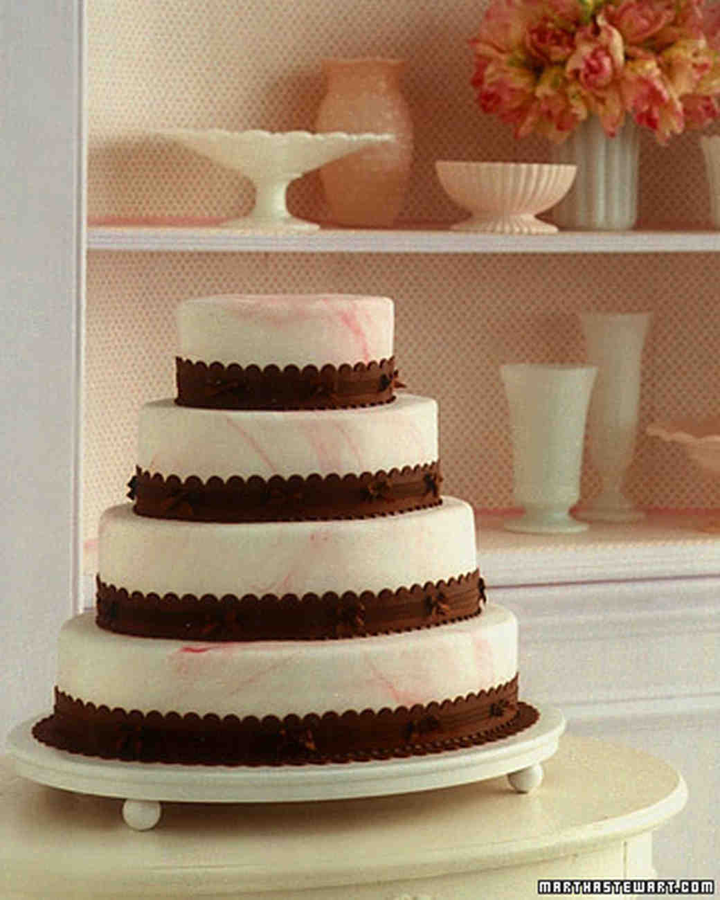 4 Wedding Cakes That Get A Jolt Of Delicious Flavor From