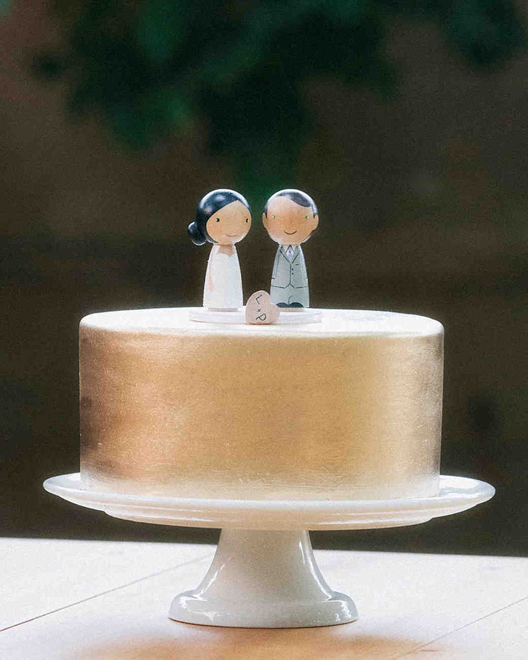 Gold One-Tiered Wedding Cake with Wooden Toppers
