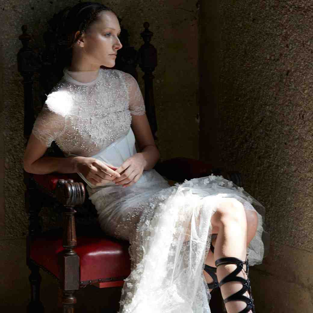 Vera Wang Spring 2017 Wedding Dress Collection