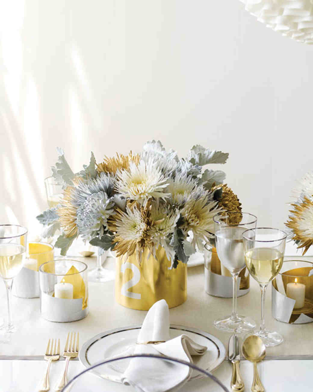 Gold Wedding Decorations: Glamorous Wedding Centerpieces