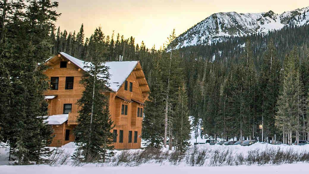 6 Incredible Winter Wedding Destinations