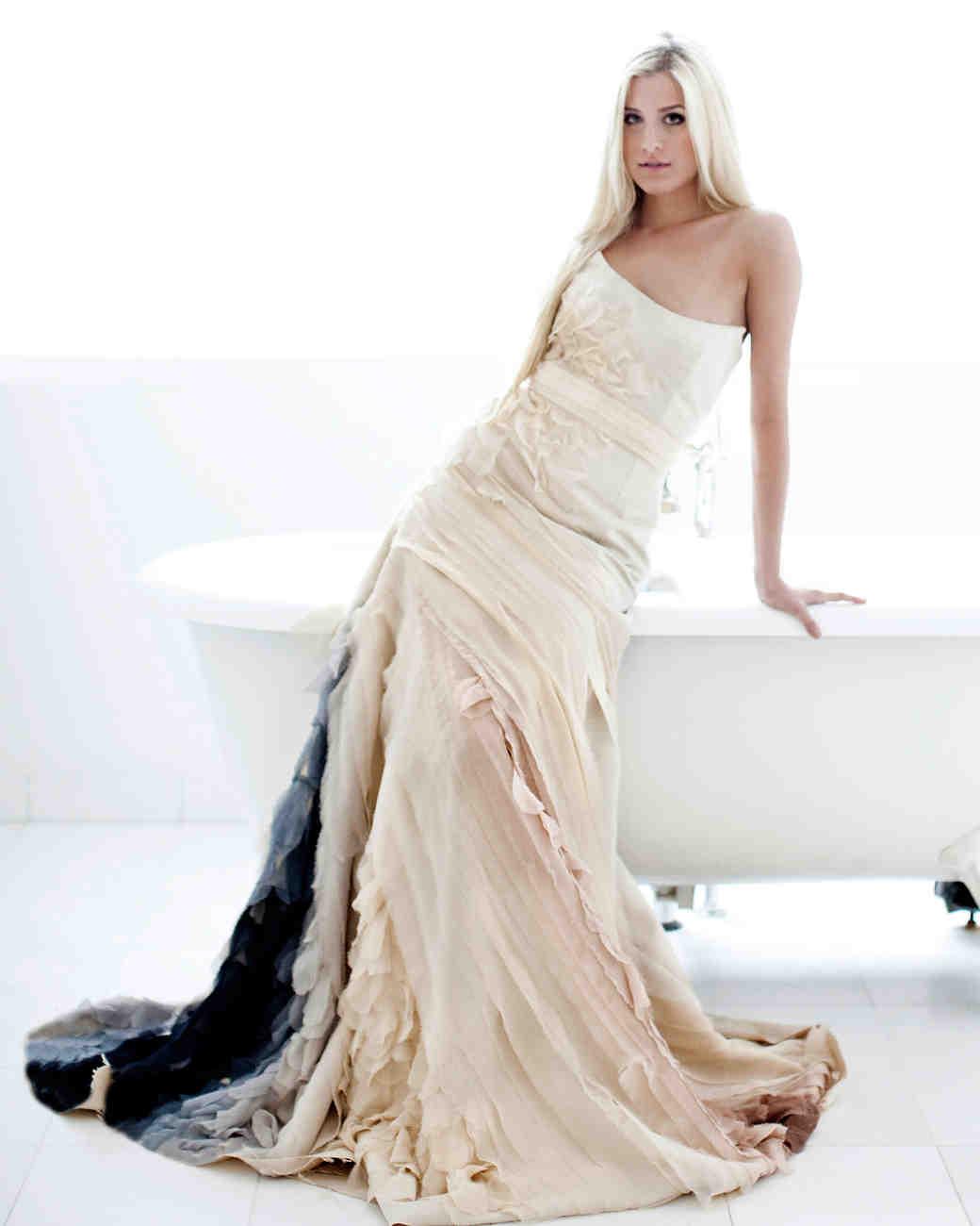 iconic-dresses-tara-latour.jpg