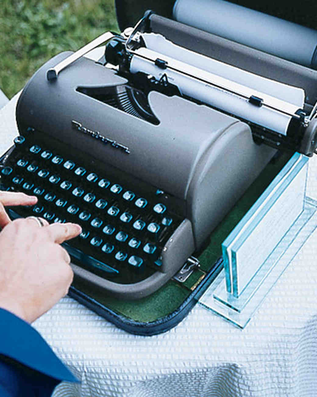 mwa102447_spr07_typewriter.jpg