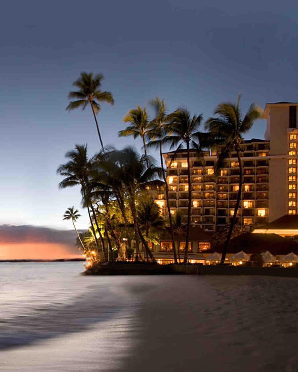honeymoon resorts and hotels in hawaii | martha stewart weddings
