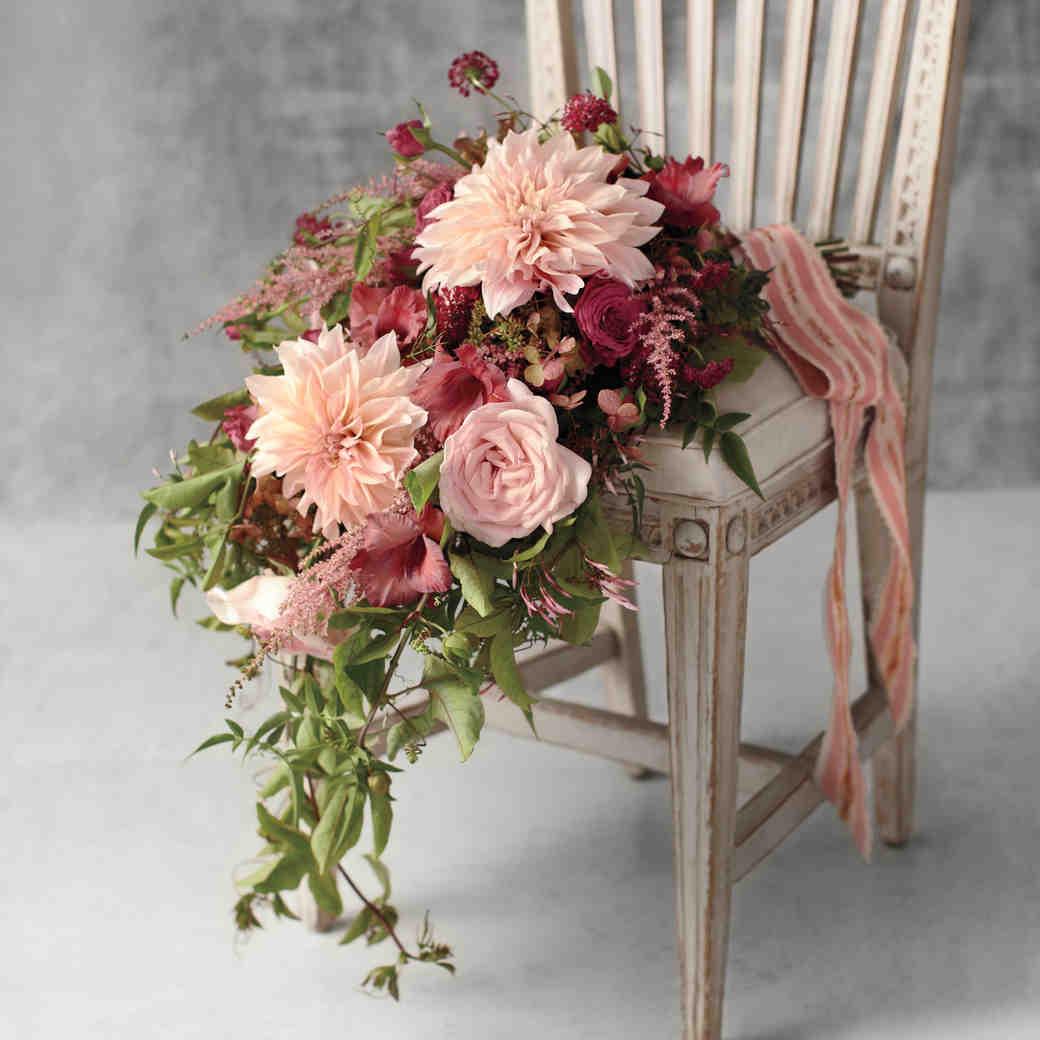 10 Stunning Dahlia Wedding Bouquets