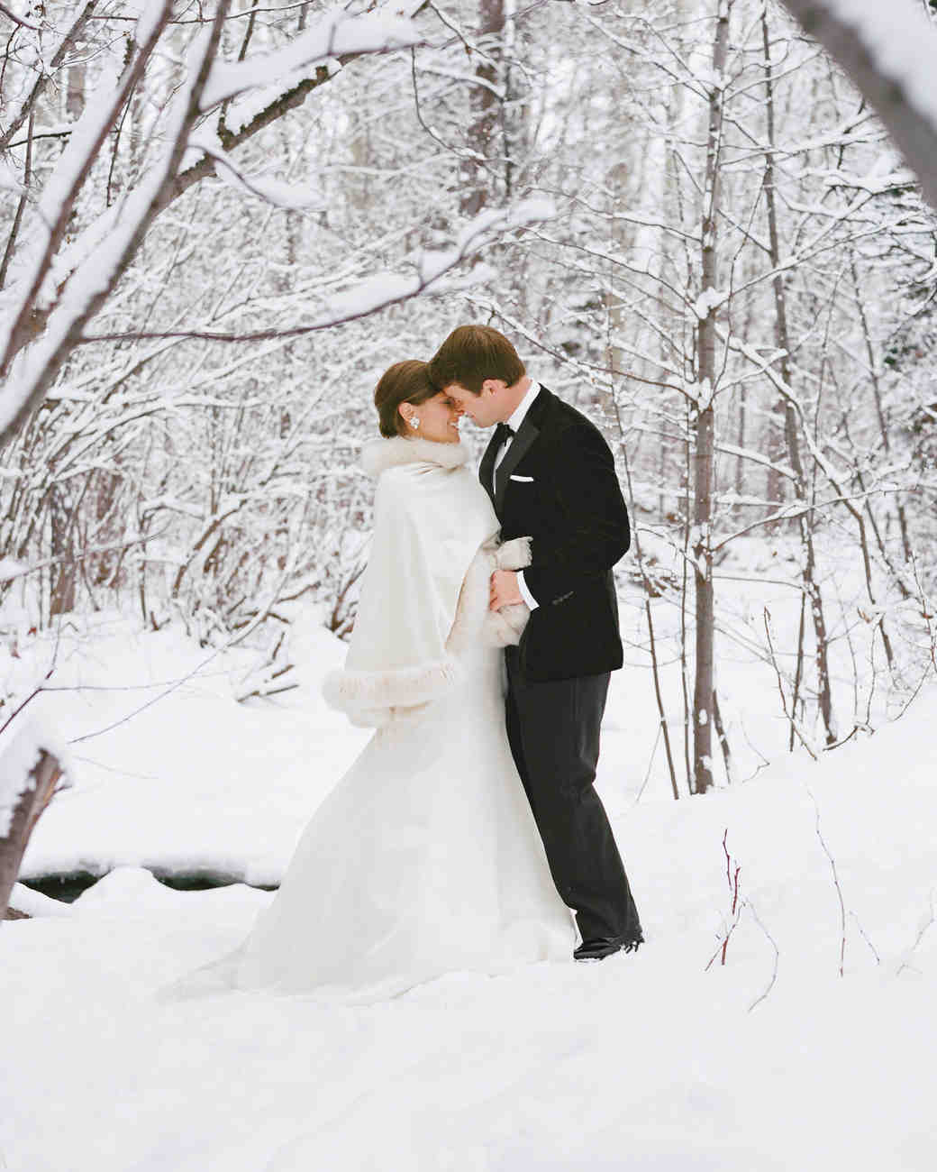 Winter Weddings: 11 Snowy Wedding Photos That Will Make You Want To Get