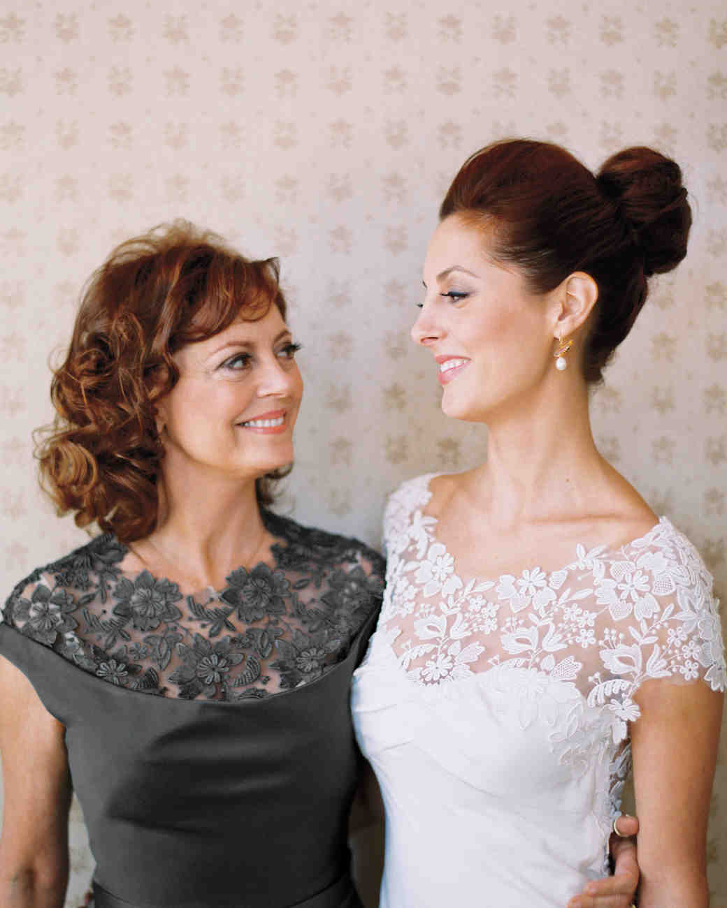 Eva amurri and kyle martino 39 s modern slate gray for Mother daughter dresses for weddings