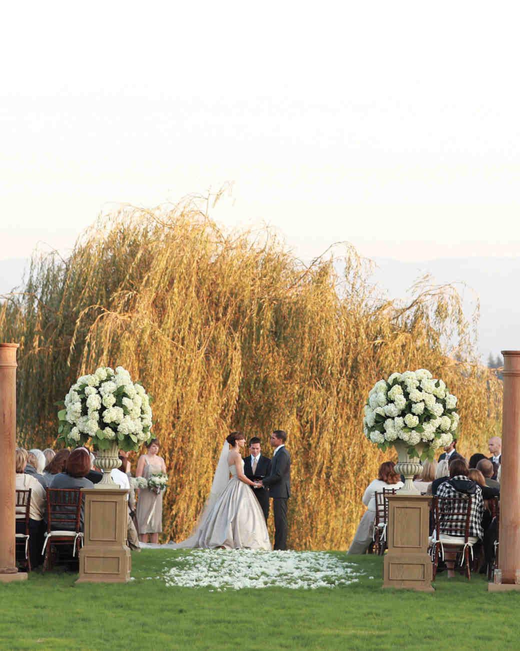 The Ultimate Wedding Ceremony Checklist | Martha Stewart Weddings